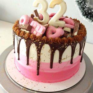 Torta de chocolate con golosinas